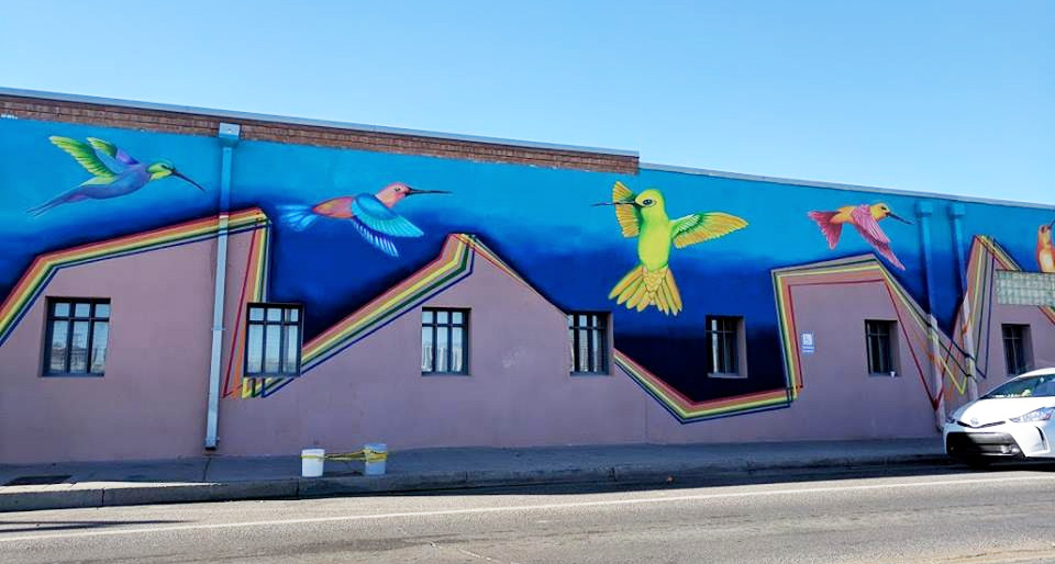 UNM Students Create Mural at Albuquerque Health Care for the Homeless
